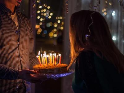 60 frases de aniversário para amiga que reforçam a amizade entre vocês
