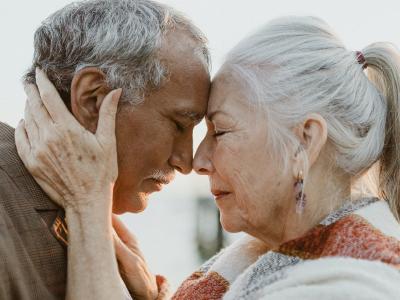 50 frases de declaração de amor para aquecer corações apaixonados