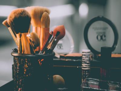 40 frases de maquiagem para arrasar na hora de se arrumar