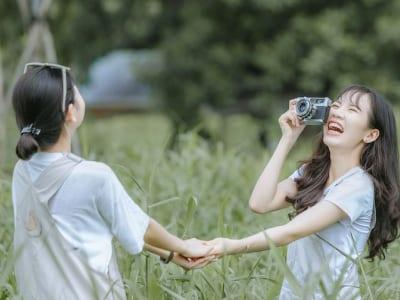 35 frases de músicas para amiga que falam sobre amor e parceria