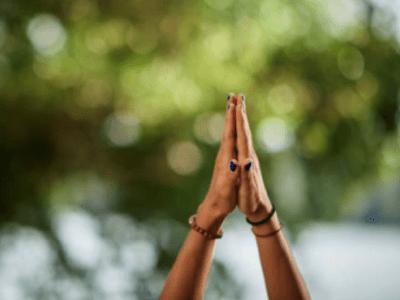 40 frases namastê para saudar a vida com respeito e positividade